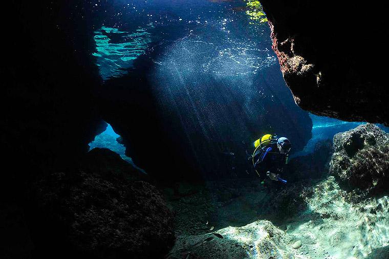 Scuba Diving in Santorini