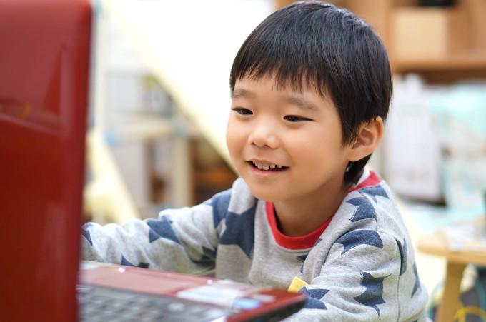 オンラインだからこそできる英語多読学習