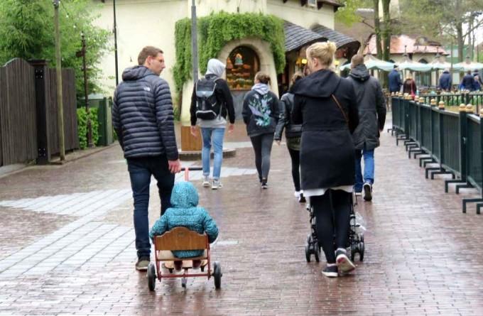 休暇を楽しむオランダの家族