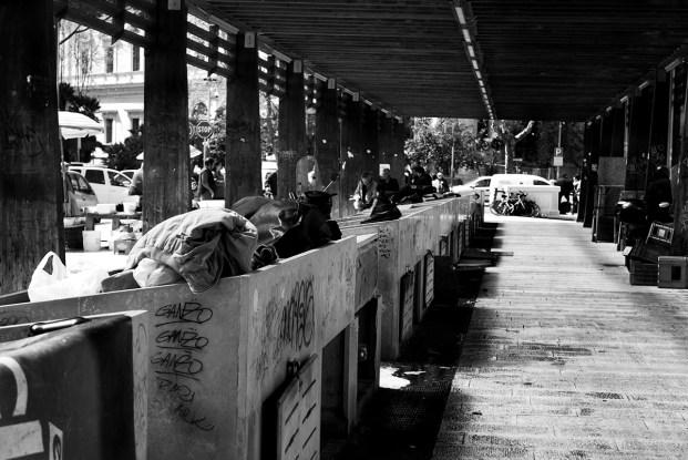 Bari, I banchi ancora vuoti del mercato del pesce