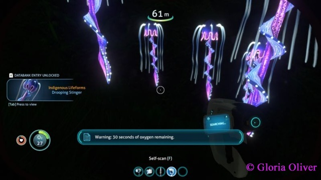 subnautica - glowing plant life
