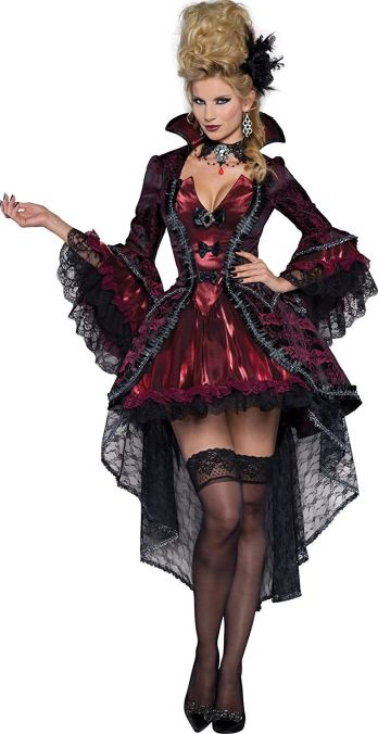 scary Halloween costumes for women: a vampire