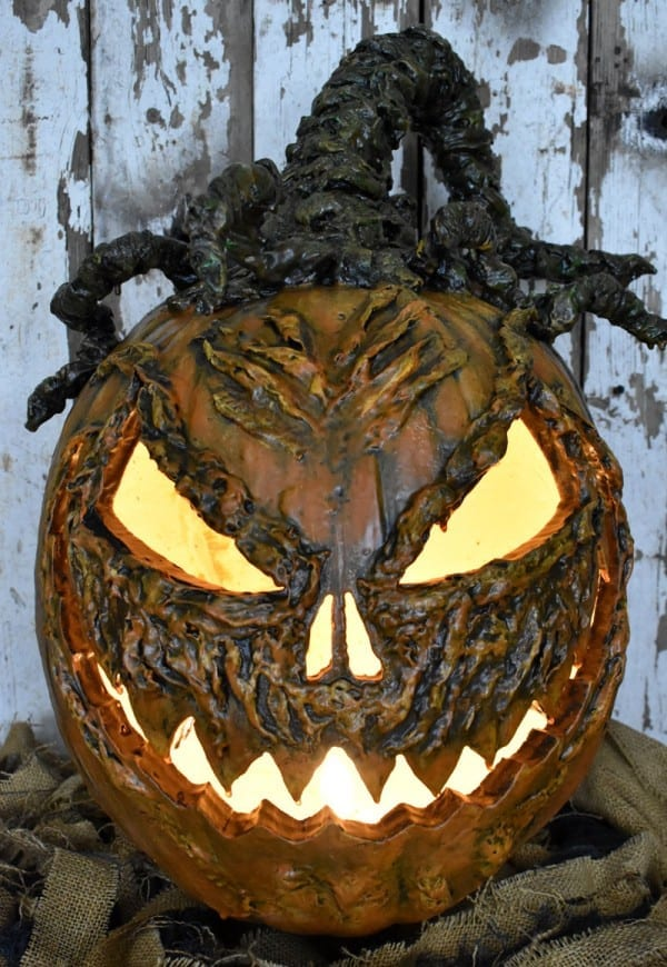 DIY scary pumpkin