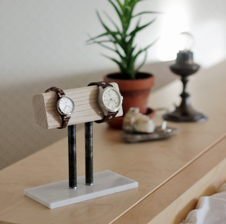 DIY Gifts For Boyfriend: Watch Stand via The Merrythought