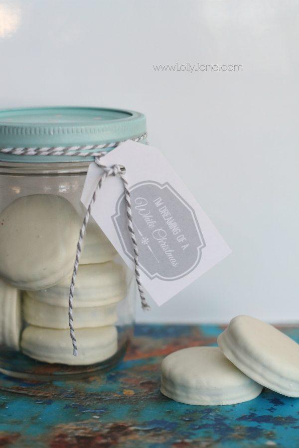 DIY Last Minute Christmas Gifts: White Christmas Oreo Treat Jar