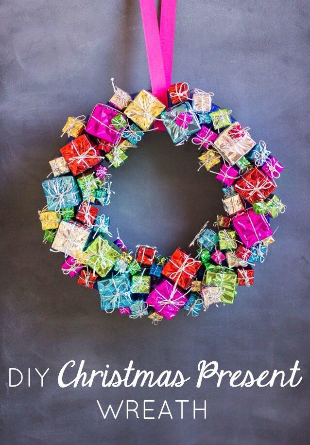 DIY Christmas Gift Wreath