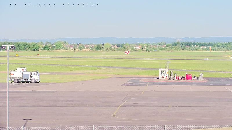 Gloucestershire Airport (GLO, EGBJ) Glos Webcam