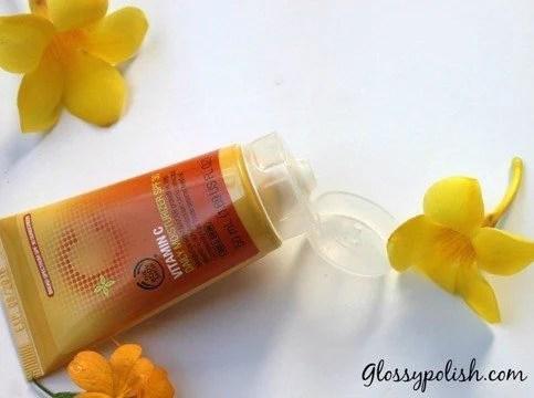 Bodyshop Vitamin C Day Cream Flip Cap open
