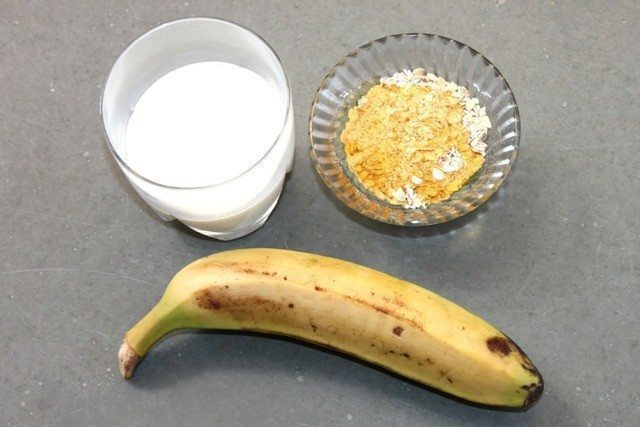 Banana smoothie recipe with oats
