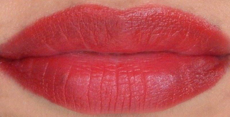 Revlon Super Lustrous Lipstick Look At Me 6