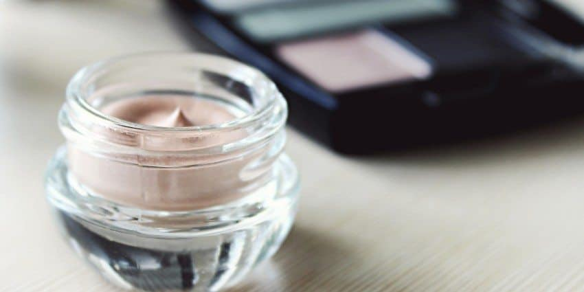10 Must haves in your Makeup Kit 6