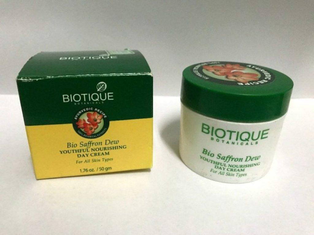 Biotique Bio Saffron Dew Youthful Nourishing Day Cream 1