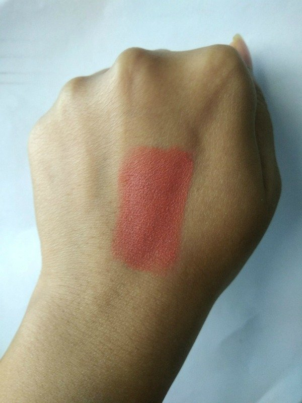 Colorbar Velvet Matte Lipstick Go On Stage Review 2