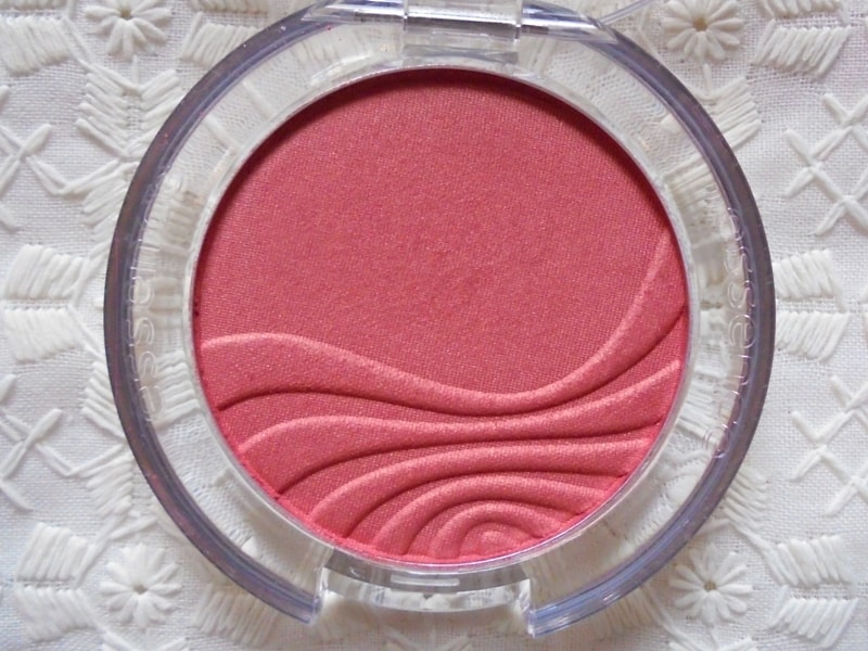 Essence Silky Touch Blush 70 Kissable Review 4