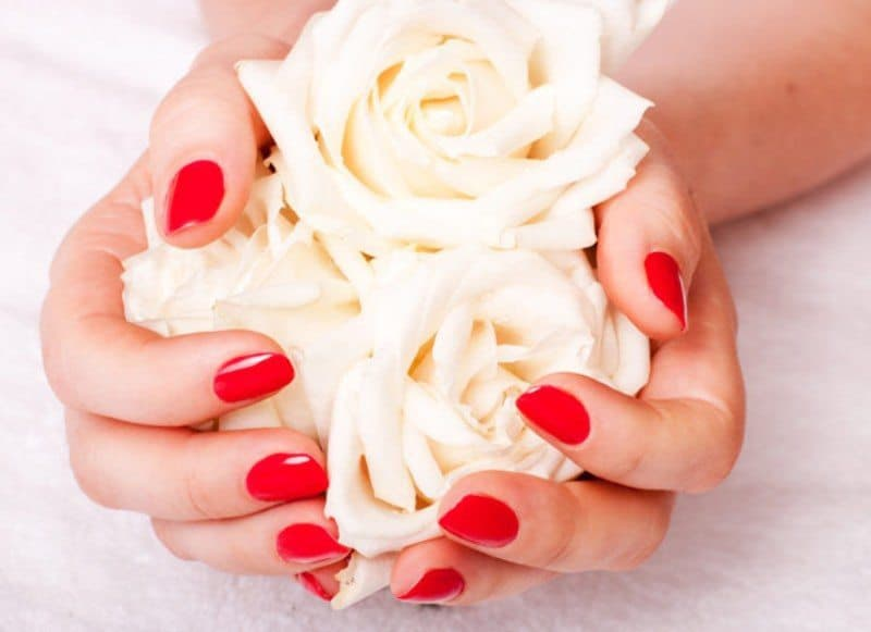 How To Make Your Hands Look 10 Years Younger : 4 Simple home Remedies!