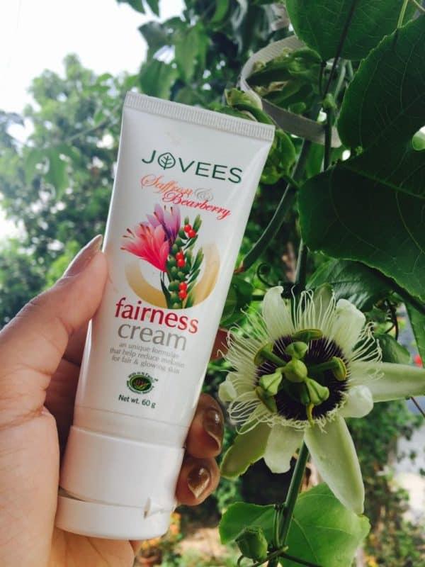 Jovees Saffron & Bearberry Fairness Cream Review 4
