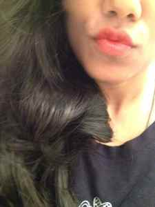 Lakme 9 to 5 Creaseless Matte Lipstick Orange Edge Review 6