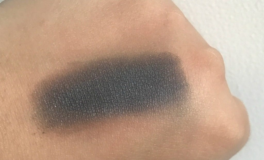 MAC Pro Longwear Paint Pot Blackground Review 3