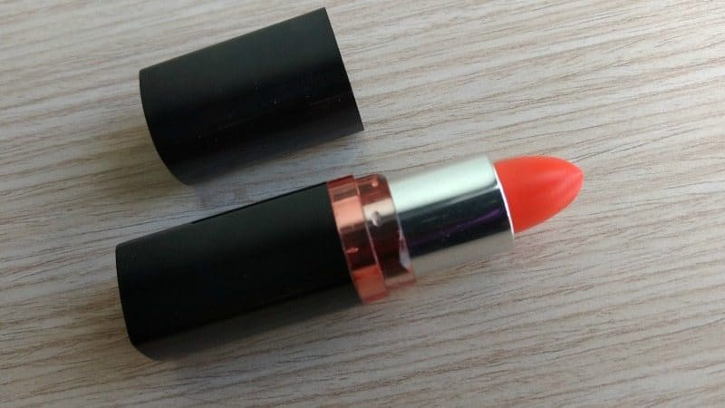 Maybelline Colorshow Orange Icon Lipstick Review