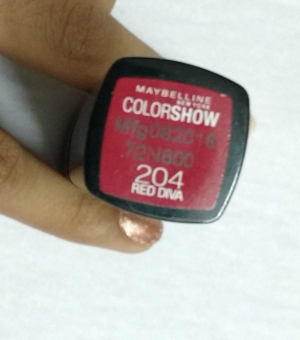 Maybelline Colorshow Red Diva 204 Lipstick Review 2