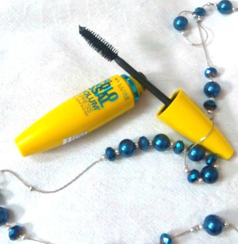 Maybelline Colossal Volum Express Waterproof Mascara Review 3