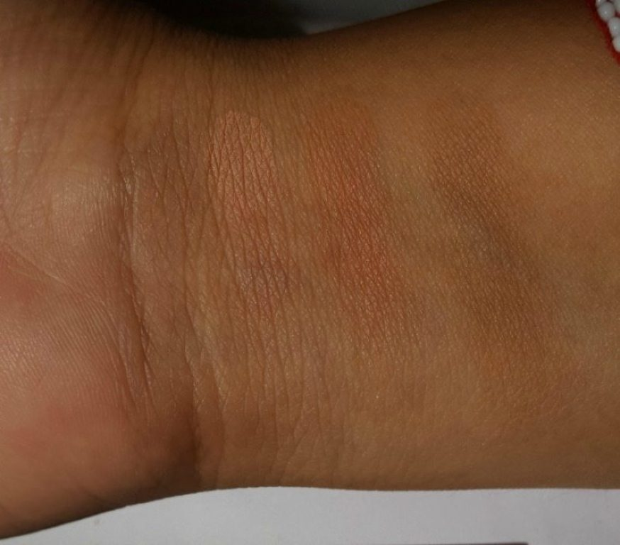 Maybelline New York V-Face Blush Contour Brown by Face Studio Review 3