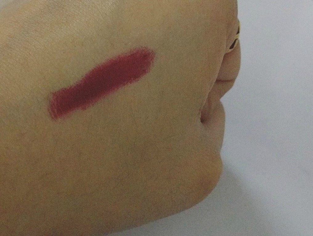Maybelline Super Stay 14hr Lipstick Timeless Crimson 075 Review 2