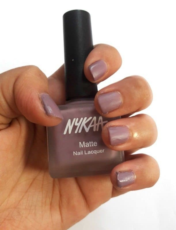 Nykaa Nail Enamel Lilac Scones and Cotton Candy Review 3