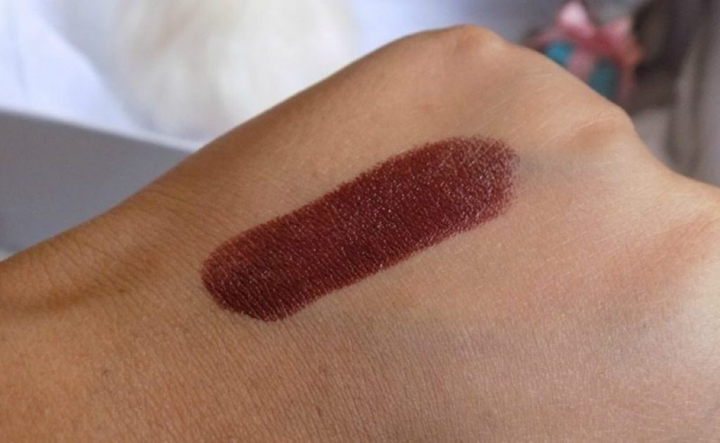 Nykaa Paintstix Grunge Brown Review 4