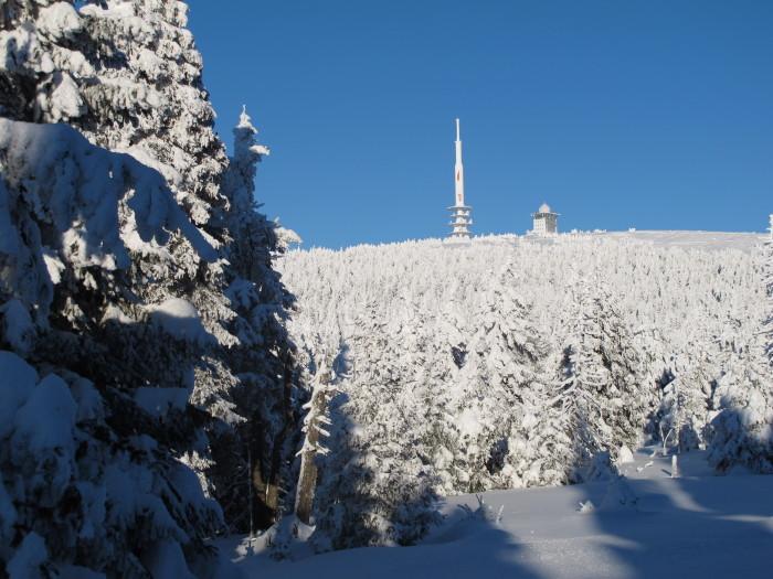 Kaum zu glauben: Nach sechs Stunden Wanderung ist die Spitze des 1141 Meter hohen Bergs zu sehen.