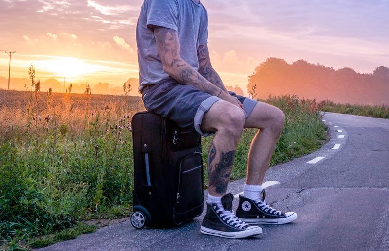 traveler-1611614_pixabay-com-web