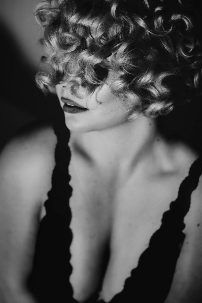 Zoey Saflekou, Portrait, Porträt. Boudoir, Akt, Lingerie, Dessous-Shooting, Erotik, Aktshoting, Erotikshooting, Boudoir-Shooting, Erotik, Bodie, Body, Marylin Monroe