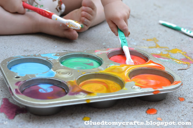 Liquid Chalk & Toothbrushes {Craft}