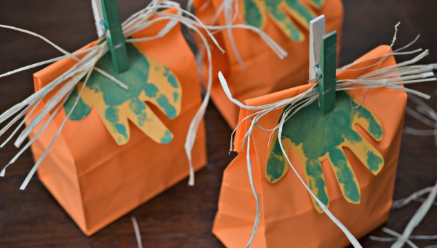 Handprint Pumpkin Gift Bags {Kid Craft}