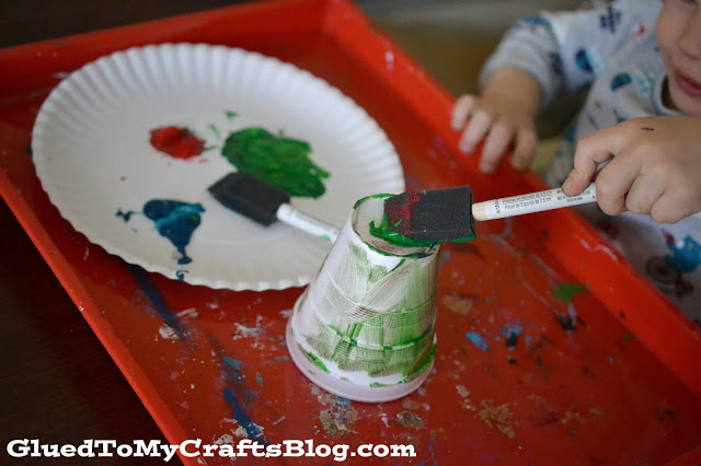 Styrofoam Cup Fireworks {Kid Craft}
