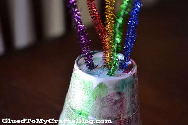 Styrofoam Cup Fireworks {Kid Craft}