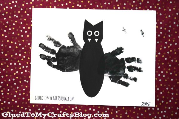 Handprint Bat Keepsake w/Free Printable Template
