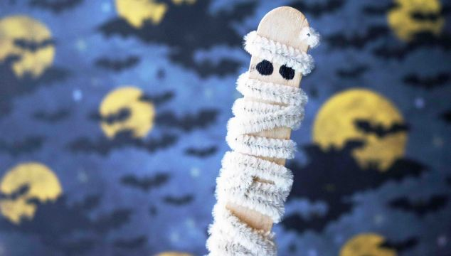 Pipe Cleaner Wrapped Mummy – Kid Craft