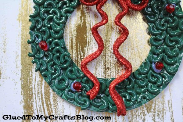 Pasta Noodle Christmas Wreath - Kid Craft
