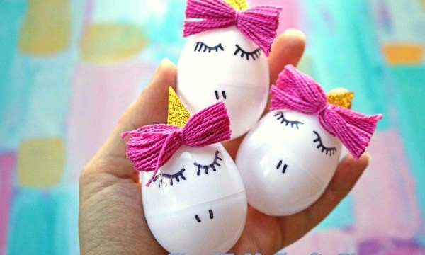 Simple White Plastic Eggs Turned Unicorns