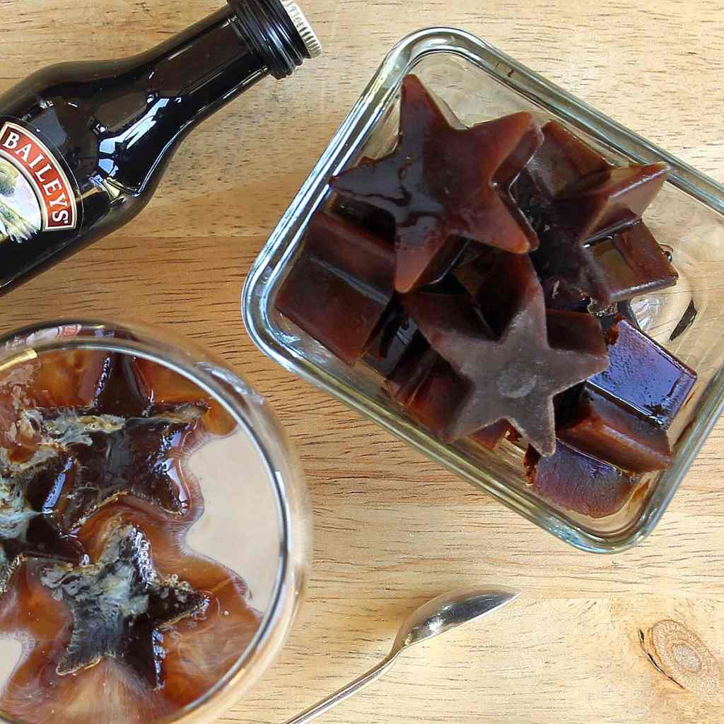 coffee-ice-cubes-add-baileys