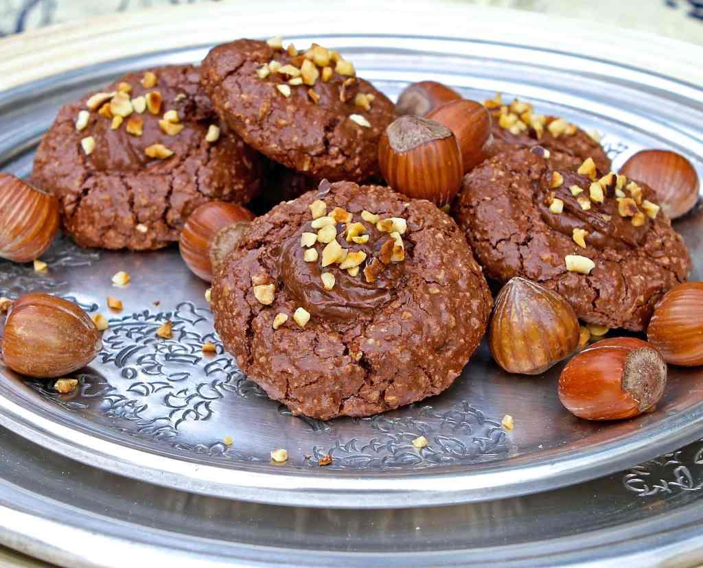 chocolate-nutella-thumbprint-cookies
