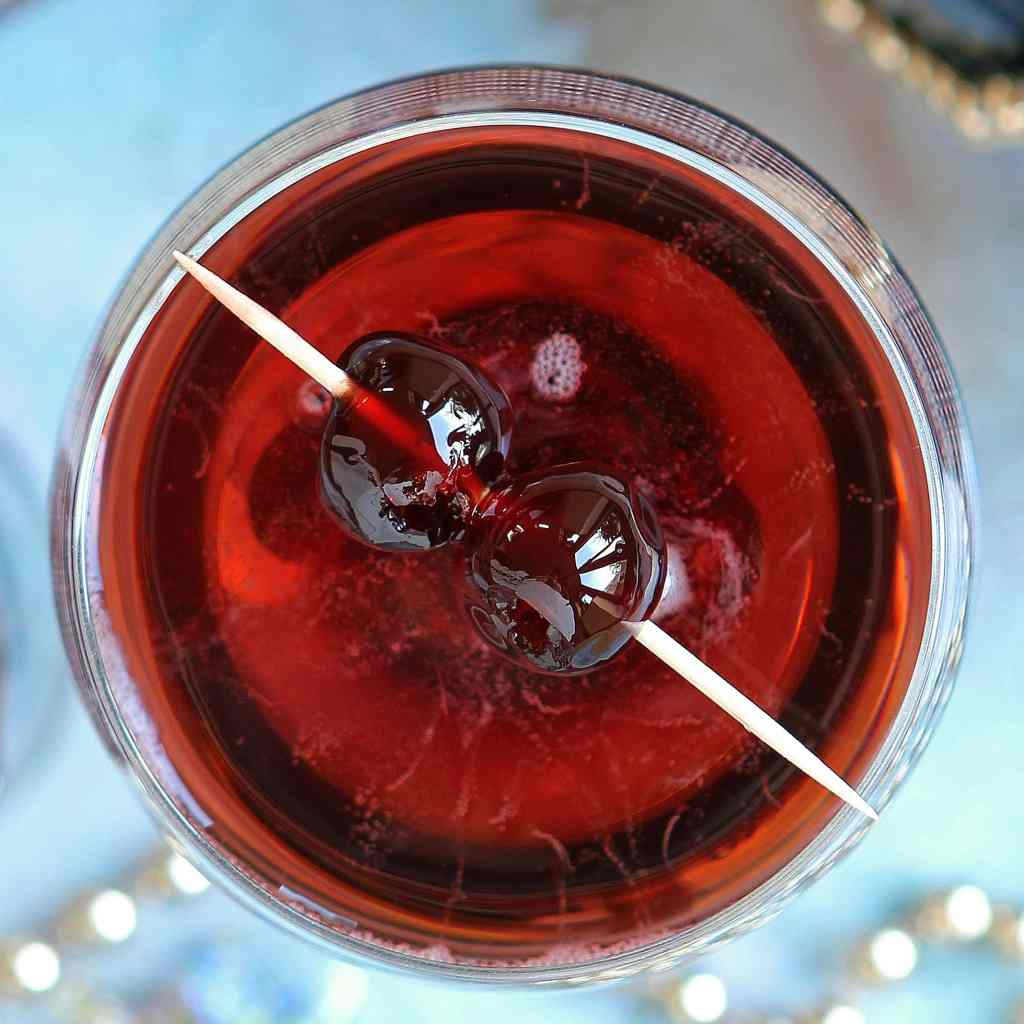 cherry-bakewell-cocktail