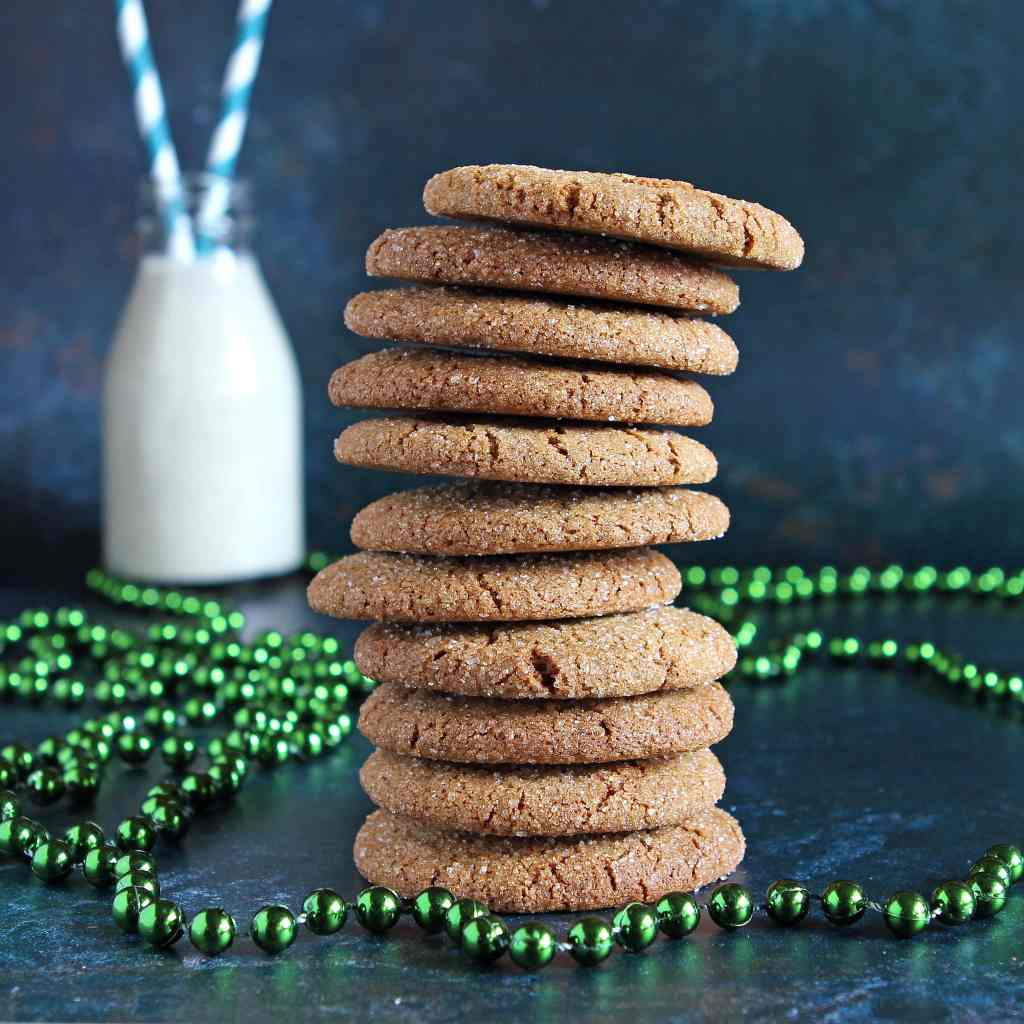 ginger-biscuits-stack