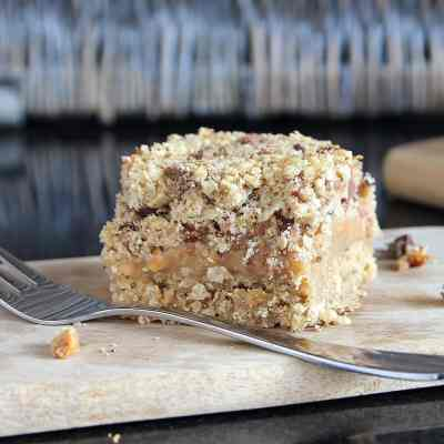 Chocolate Peanut Butter Oat Crumble Bars