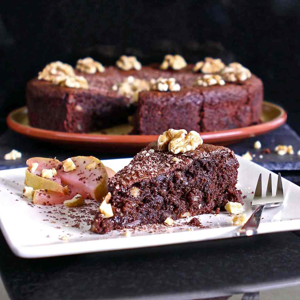 chocolate-torte-walnut-pear