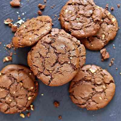 Chocolate Peanut Butter Cookies – Dark & Chewy (Flourless)