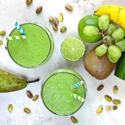 Naturally Sweet Raw Green Smoothie – Magic in a Glass