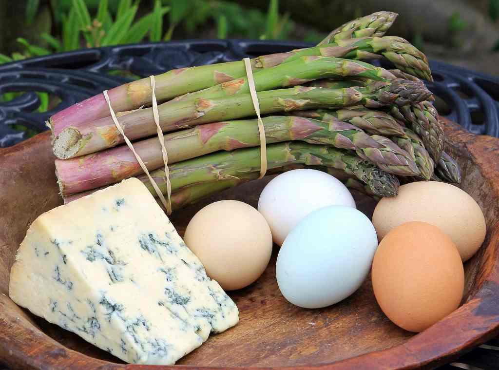 ingredients-asparagus-stilton-quiche