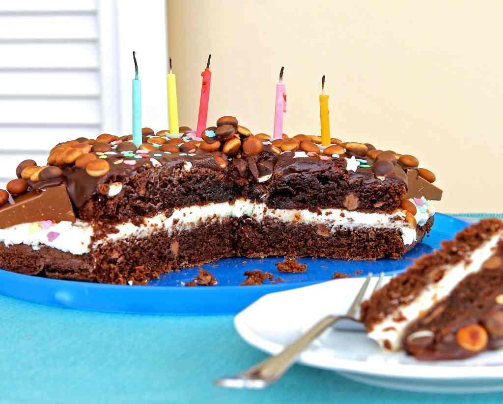 fudgy-chocolate-cake-birthday-mix